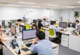 東京営業所 業務風景01
